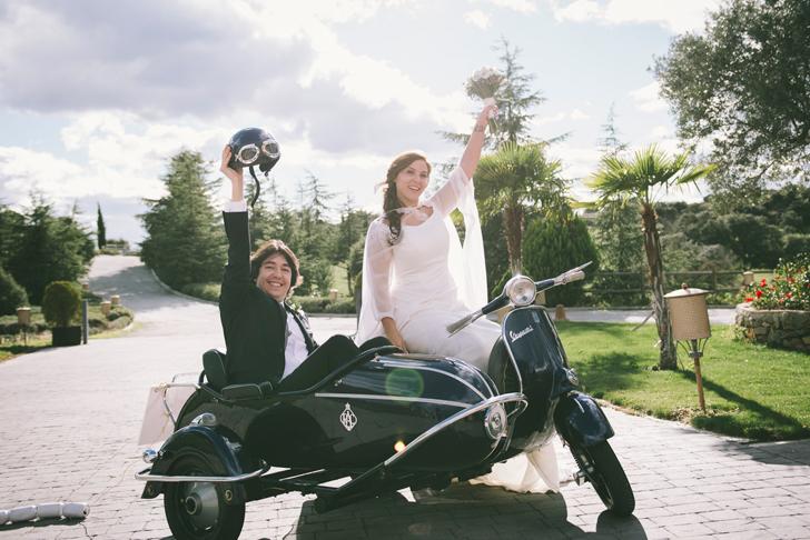 49-nara-connection-vespa-wedding