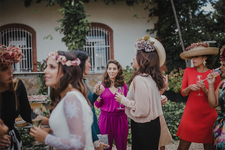 59-nara-connection-serafin-castillo-bride-friends-cocktail